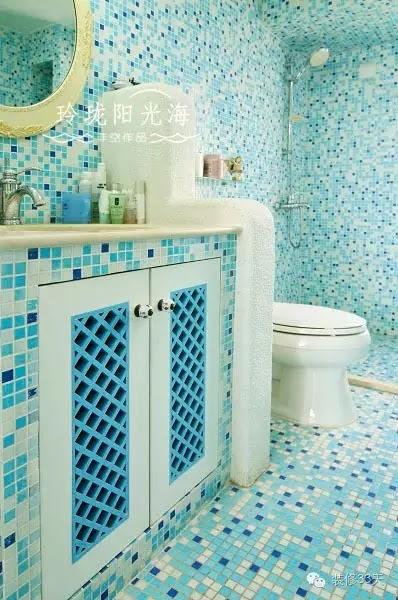 藍色系是最常用的馬賽克,用在衛生間有一種海和水的感覺