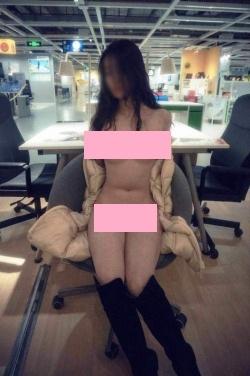 宜家家俬爆出有女顾客拍裸照。哼,简直世风日下。宜家家俬, ikea, 裸照, nude photographs,