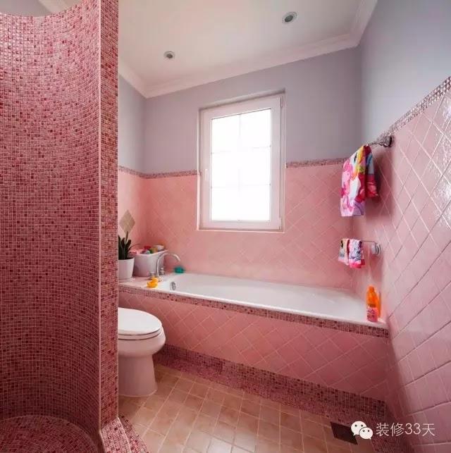 紅色馬賽克熱情奔放,不過也不是太適合衛生間的色調