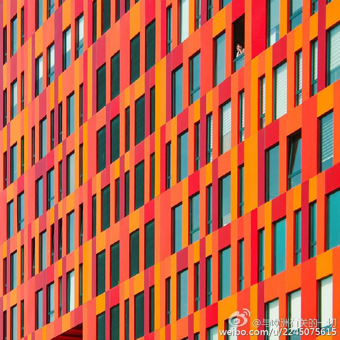 歐洲彩虹建築。美!