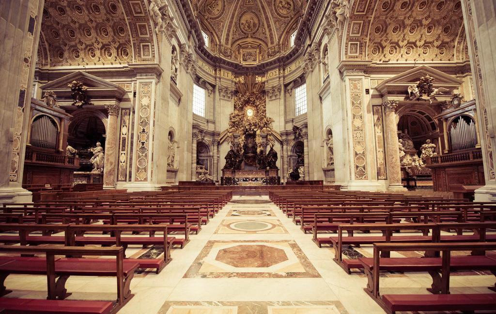 (梵蒂岡)聖彼得大教堂的地磚設計,地磚拼花(我玩刺客信條的時候就有印象)